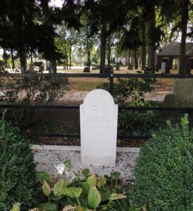 Afb. 3. Het oorlogsgraf in Putten van jonkheer Hendrik Gerard van Geen (