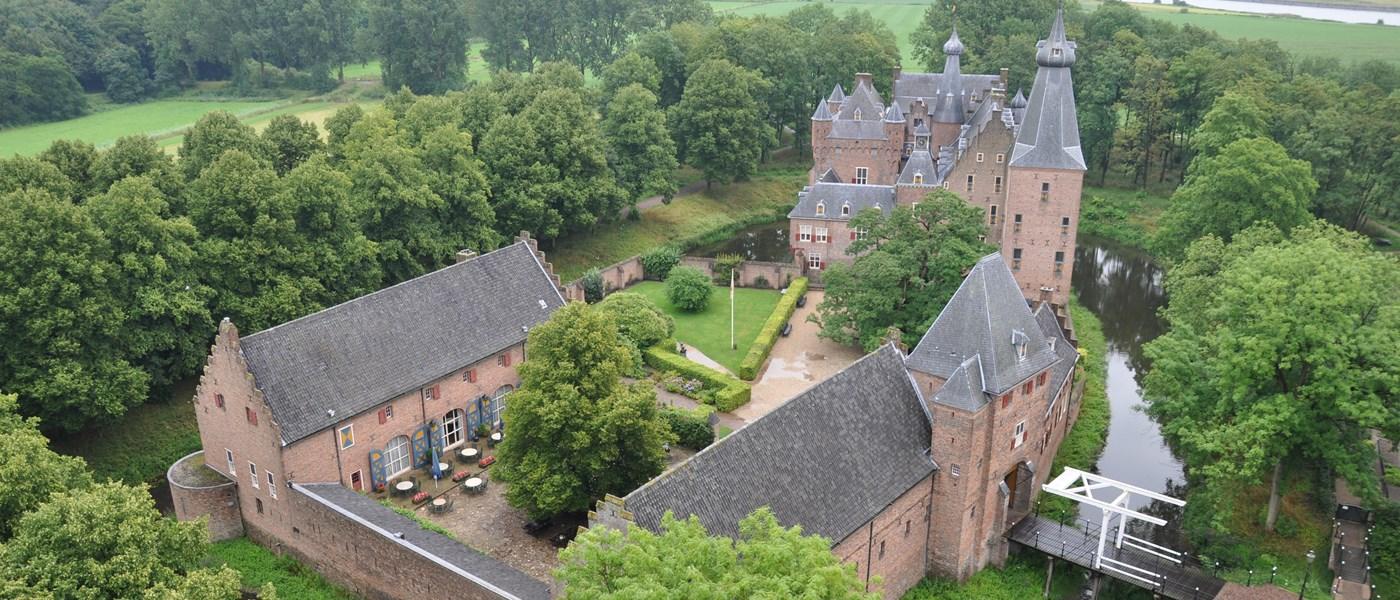 Afb. 3. Kasteel Doorwerth in al zijn glorie, foto met dank aan www.vvvarnhemnijmegen.nl.