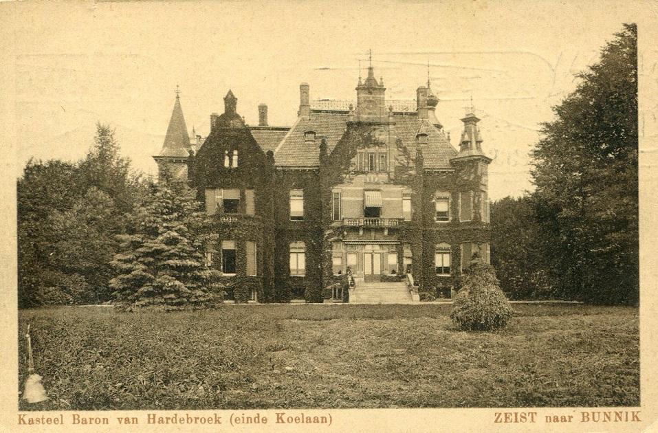 Afb. Huis Nienhof van de familie Van Hardenbroek, ansichtkaart part. coll.