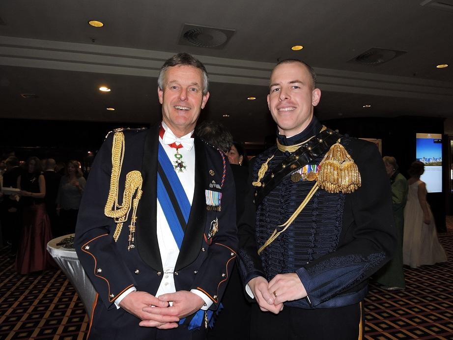 Generaal-majoor Hans van der Louw en majoor Thijs Jansen.