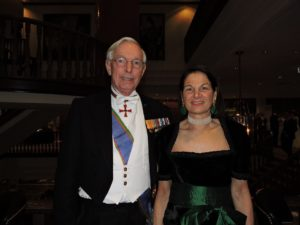 Hans van Eenennaam, oud-hofmaarschalk van H.M. Koningin Beatrix, en echtgenote Pia van Eenennaam.