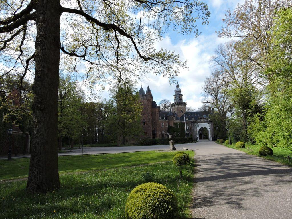 Afb. 1. Kasteel Nijenrode, dat eeuwenlang in het bezit was van het Amsterdamse regentengeslacht Ortt.