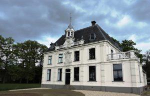 Afb. 1 Buitenplaats Spijkerbosch in Olst, sinds 1914 Van Limburg Stirum bezit.