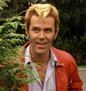 Afb. 2. Coen van Vrijberghe de Coningh in zijn rol als Johnnie in Flodder, foto met dank aan http://alchetron.com/Coen-van-Vrijberghe-de-Coningh-751856-W.