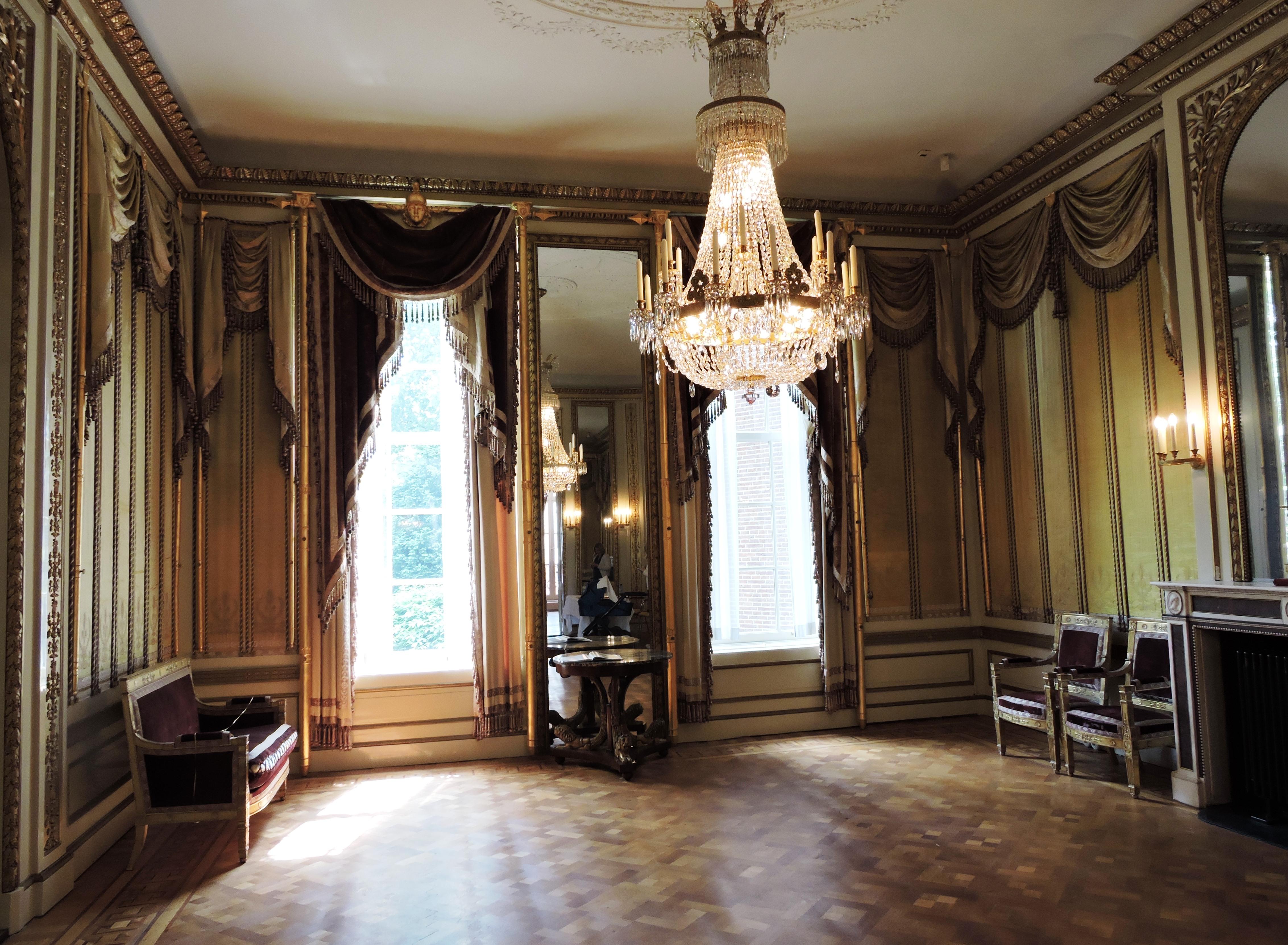 Afb. De Gouden Zaal in Huis Barnaart.