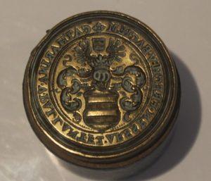 Afb. Het lakzegelstempel Van Pallandt, foto met dank aan catawiki.