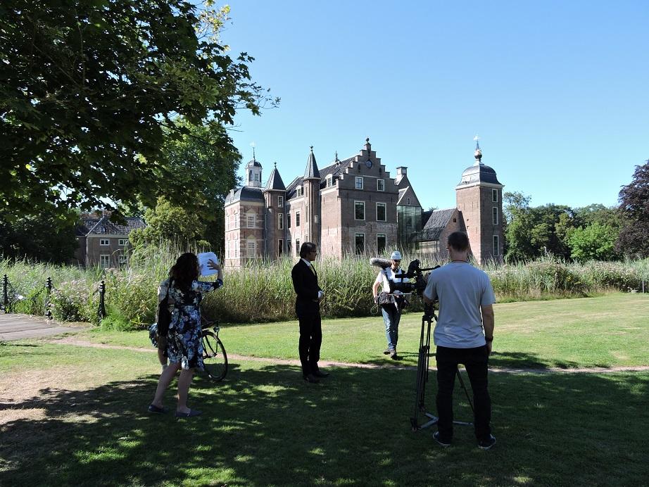Afb. 2. Opnames bij kasteel Ruurlo, waar de bakermat van de Van Heeckerens ligt.