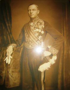 Afb. 3. mr. Justinus Egbertus Hendericus baron van Nagell in het ambtscostuum als ambassadeur 'Bukarest 1929'. Foto part. coll.