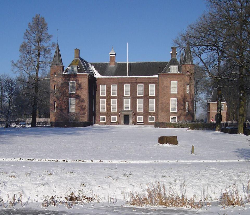 Afb. 2. Slot Zuylen in de winter. Foto met dank aan www.facebook.com/slotzuylen.