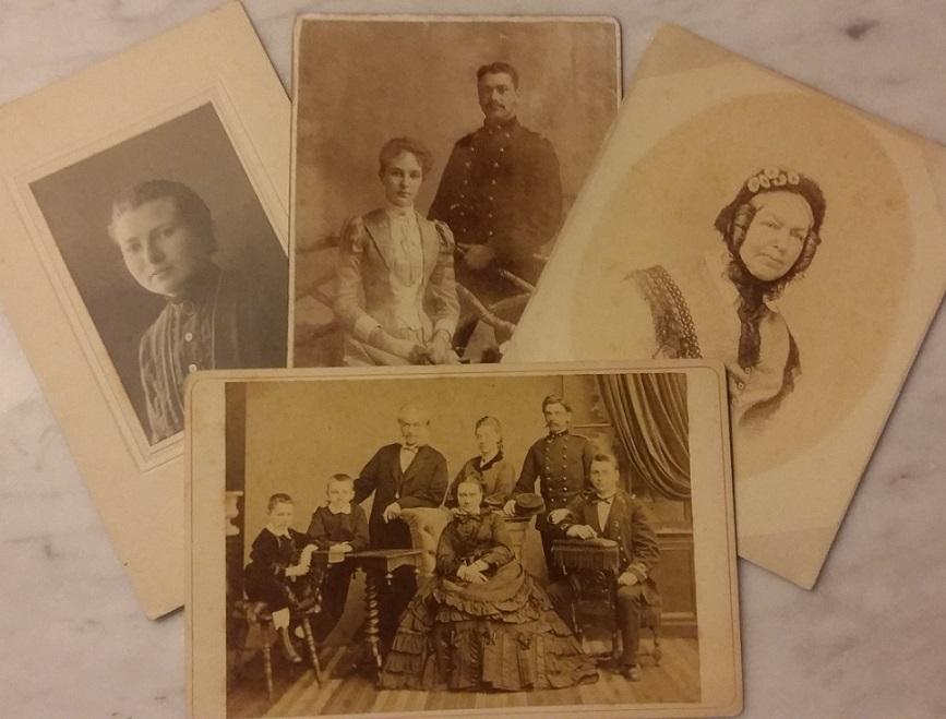 Afb. De vier geschonken kabinetfoto's van leden van de familie Ortt en hun partners.