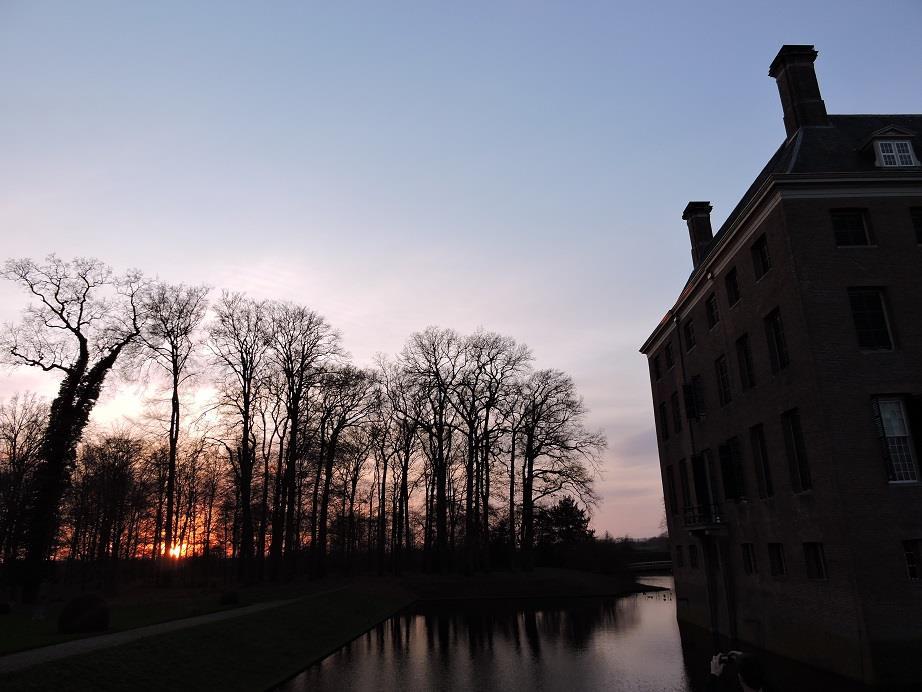 Afb. Winterse luchten in het kasteelpark van Amerongen.