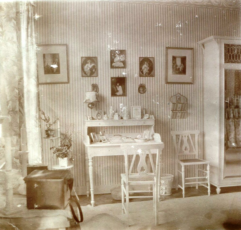 Afb. De slaapkamer van freule Etta van der Wyck omstreeks 1910. Foto part. coll.