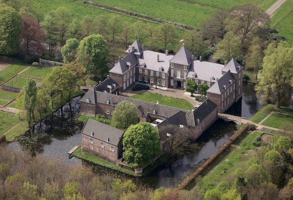 Afb. Kasteel Heeze. Foto met dank aan www.kasteelheeze.nl.
