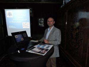 Afb. John Töpfer, directeur Stichting AiN, hield een lezing over 'De familie Bentinck in het licht van de Nederlandse adel: een Europese familie?'