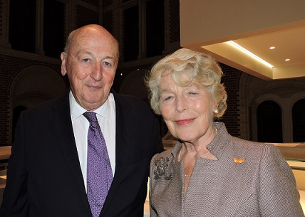 Afb. 1. His Grace The Duke of Devonshire en mr. Martine van Loon née Labouchere, oud-Grootmeesteres van Z.M. de Koning.